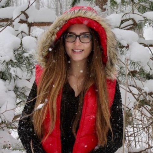 House Sitter Provider Chloe E's Profile Picture