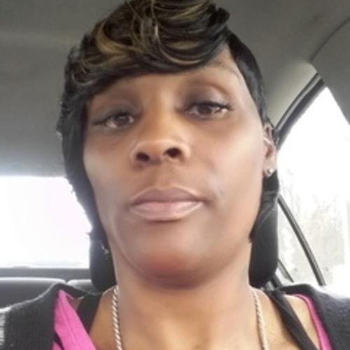Housekeeper Provider Loretta Hollins's Profile Picture