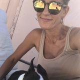 Oak Park Pet Carer Seeking Job Opportunities in Illinois