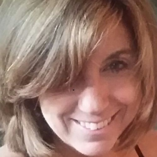 House Sitter Provider Andrea Lewis's Profile Picture