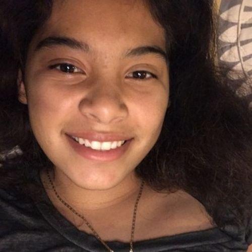 Pet Care Provider Tiffany Santos's Profile Picture