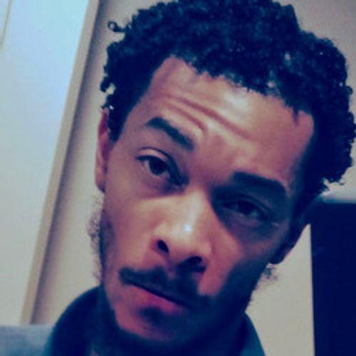 House Sitter Provider Desmond T's Profile Picture