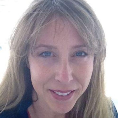 Pet Care Provider Mona C's Profile Picture