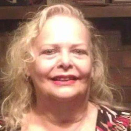 House Sitter Provider Sharon Pechette's Profile Picture