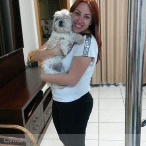Pet Care Provider Manoela Gouveia Carneiro's Profile Picture