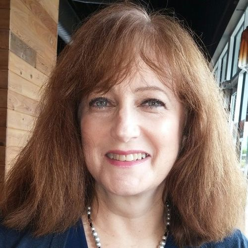 House Sitter Provider Lisa M's Profile Picture