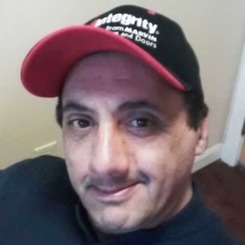 Pet Care Provider Larry Medina's Profile Picture