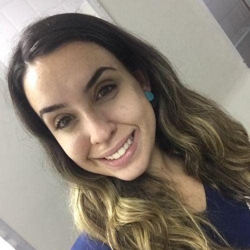 Canadian Nanny Provider Letícia Lara's Profile Picture
