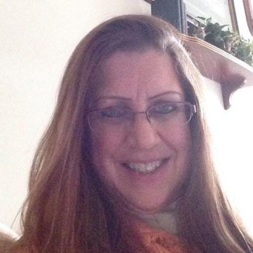 Pet Care Provider Lisa B's Profile Picture