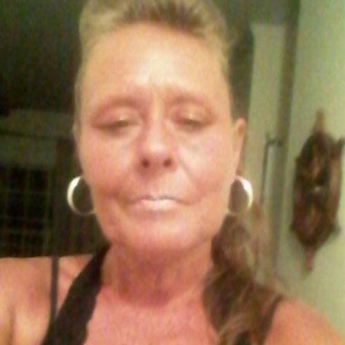 Housekeeper Provider Leonora R's Profile Picture