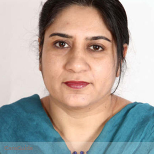 Canadian Nanny Provider Robina Rashid's Profile Picture