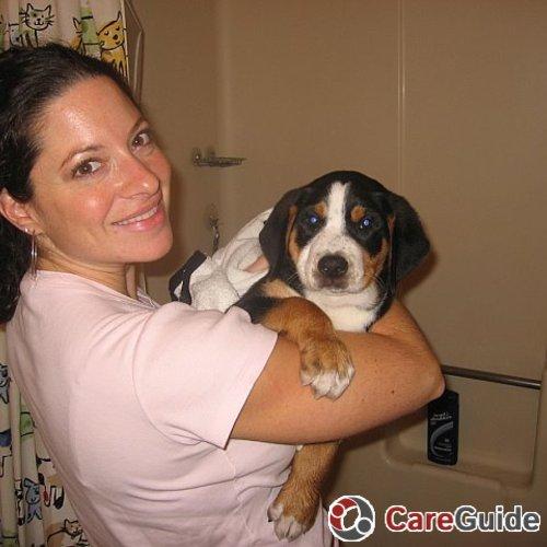 Pet Care Provider Juliana V's Profile Picture
