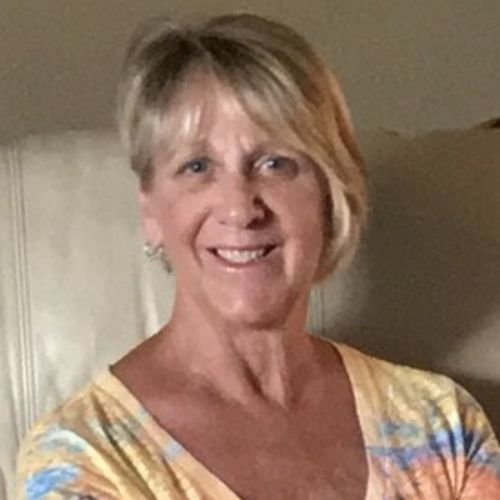 House Sitter Provider Debra Purcaro's Profile Picture