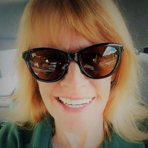 Pet Care Provider Amy E's Profile Picture