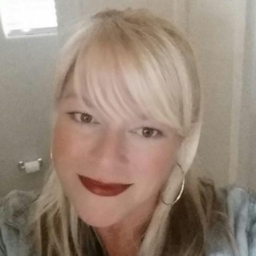 House Sitter Provider Elizabeth Rush's Profile Picture