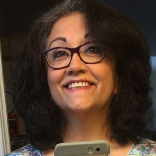 House Sitter Provider Loretta Fennimore's Profile Picture
