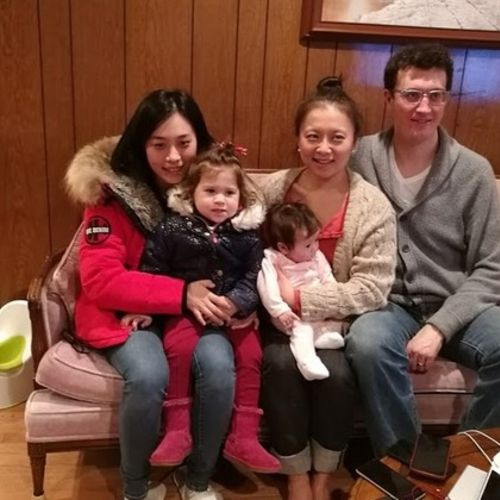 chinese nanny babysitte speak English and Mandarin Dedicated In Home Child Care Provider in vancouver