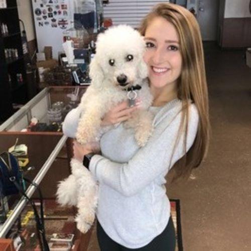 Pet Care Provider Anna E's Profile Picture
