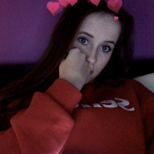My name is Hannah and i live in Innisfil, Alcona
