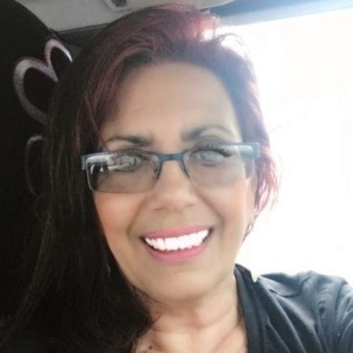 House Sitter Provider Brenda Medeiros's Profile Picture