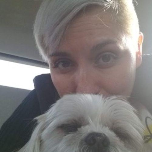 Pet Care Provider Lorena V's Profile Picture