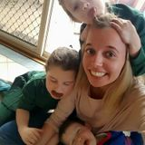 Experienced nanny/babysitter with an first aid / CPR certificate in Vancouver.