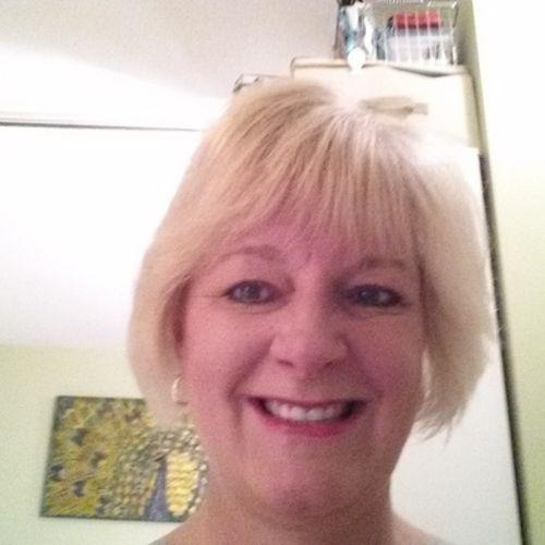 House Sitter Provider Evelyn Zawaski's Profile Picture