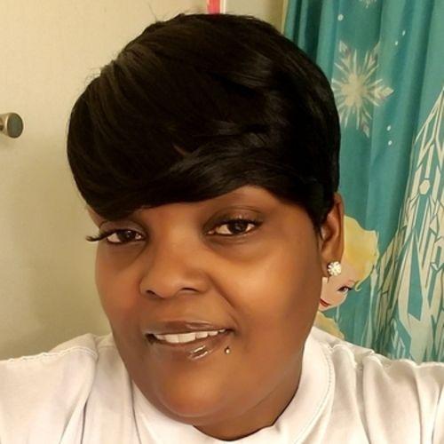 Elder Care Provider Julie P's Profile Picture