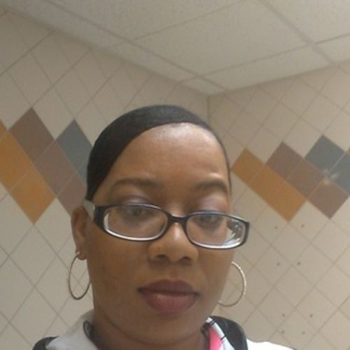 Housekeeper Provider Tarel Davis's Profile Picture