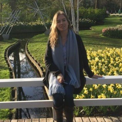 Pet Care Provider Iulia Rusu's Profile Picture
