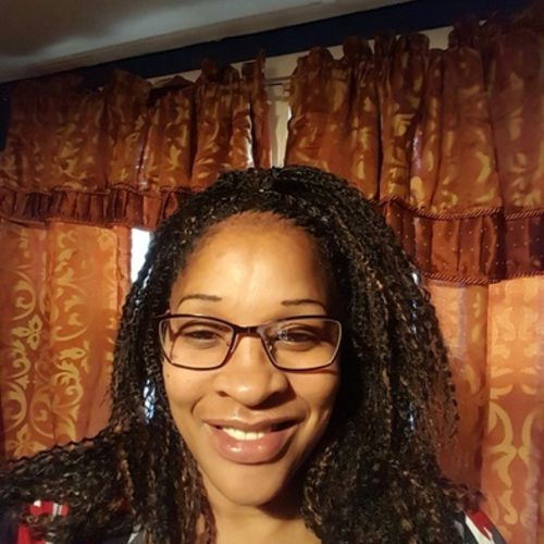 Housekeeper Provider Veronica Lewis's Profile Picture