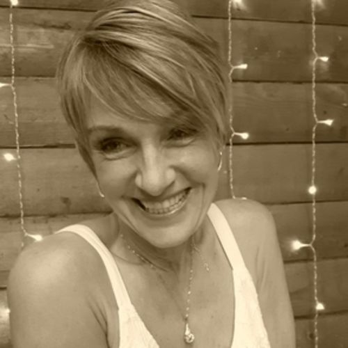 House Sitter Provider Lore S's Profile Picture