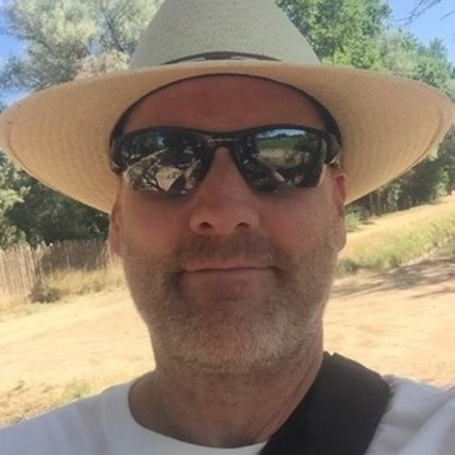 House Sitter Provider Aaron Thorne's Profile Picture