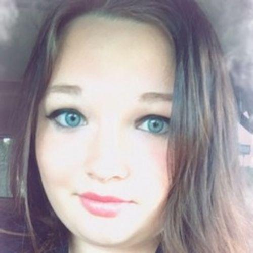 Pet Care Provider Kelli Merry's Profile Picture