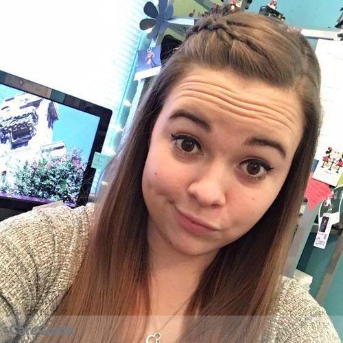 House Sitter Provider Kira Davis-Weber's Profile Picture