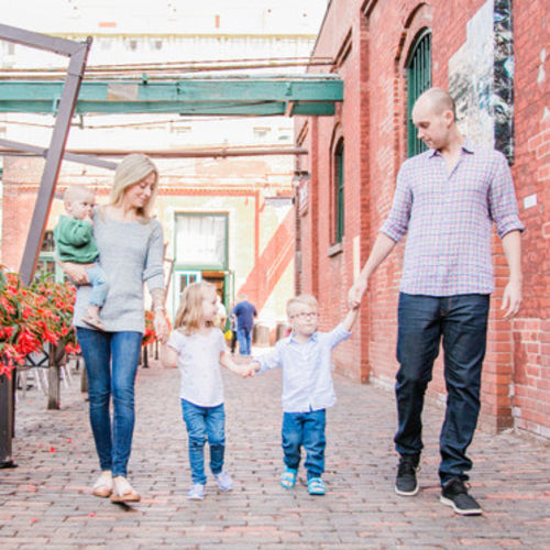Travelling family of 5, looking for a full time live in nanny to travel with us.