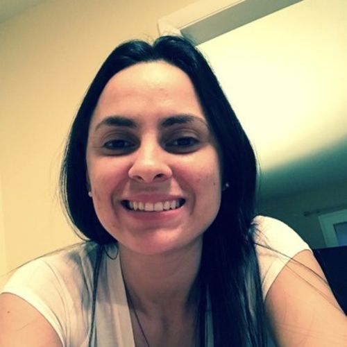 Housekeeper Provider Valeria Mendes's Profile Picture