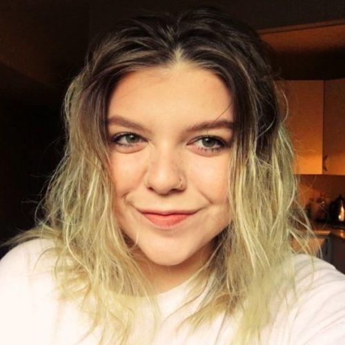 Canadian Nanny Provider Alyssa R's Profile Picture