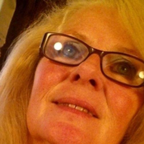Elder Care Provider Renee H's Profile Picture