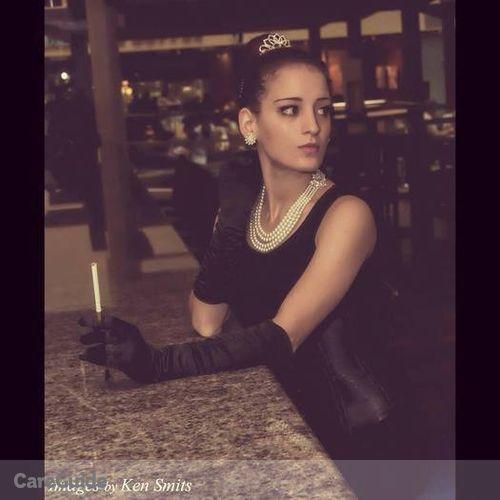 House Sitter Provider Naomi Cote's Profile Picture