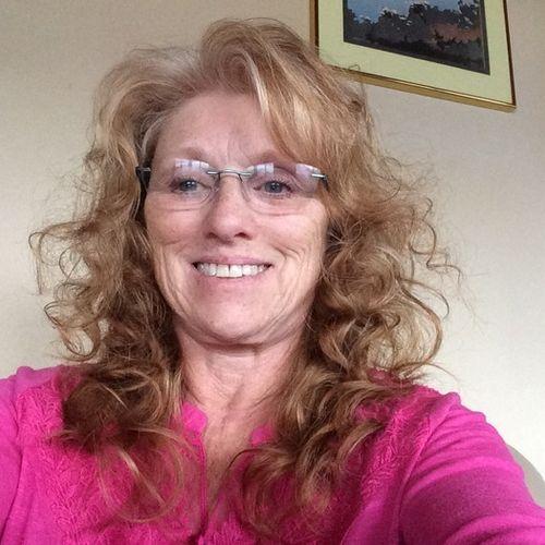 House Sitter Provider Deborah Wyatt's Profile Picture