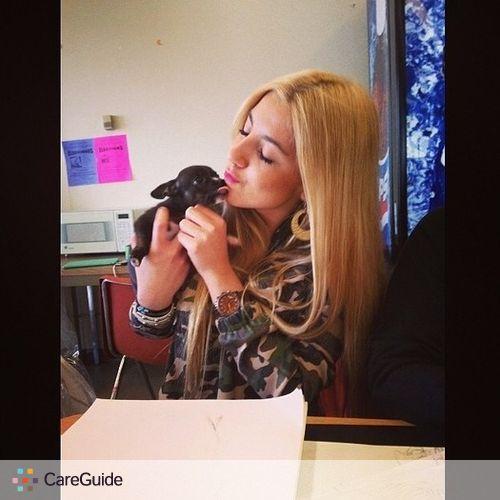 Pet Care Provider Denisse Carias's Profile Picture