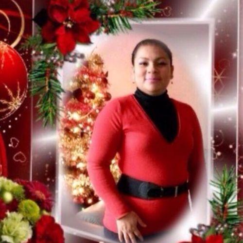 Housekeeper Provider Iris Sandres's Profile Picture