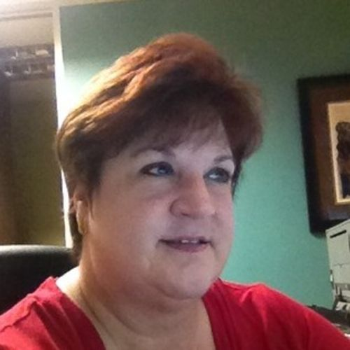 House Sitter Provider Melanie Welivar's Profile Picture