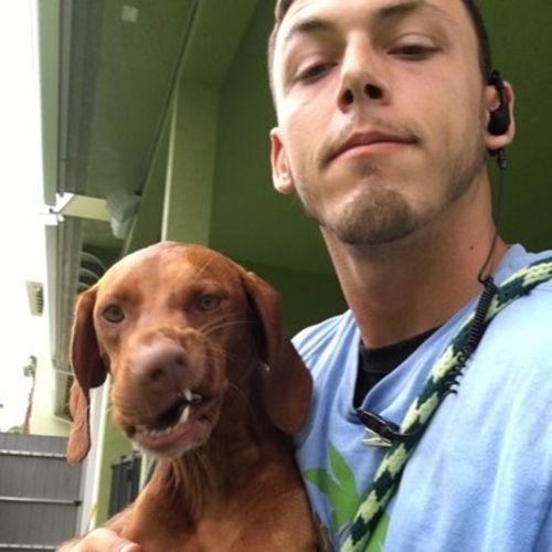 Pet Care Provider Atom M's Profile Picture