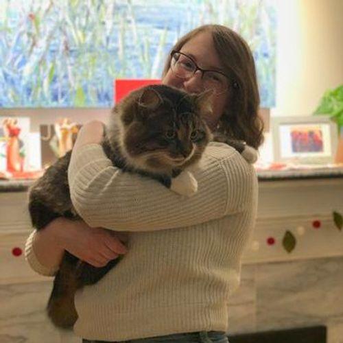 Pet Care Provider Emilie B's Profile Picture