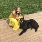 Hendersonville Pet Sitter with lots of love