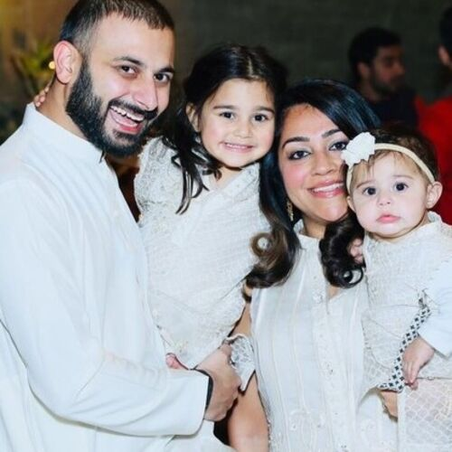 Hi there! We are a family of 4 -Izza (4 yrs old) Zoya (Almost 2!) We are looking for a nanny to help us raise our girls!