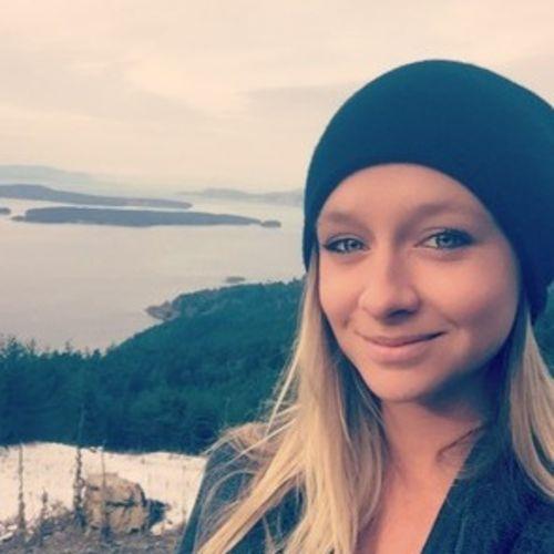 Canadian Nanny Provider Sacha R's Profile Picture