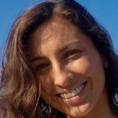 House Sitter Provider Jaqueline Diniz's Profile Picture